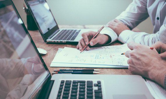 Powierzenie danych osobowych zewnętrznym firmom
