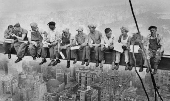 Jakie prace szczególnie niebezpieczne występują nastanowisku robotnika budowlanego