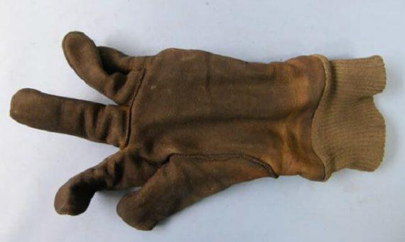 Przegląd rękawic ochronnych – sprawdzanie stanu technicznego środków ochrony rąk