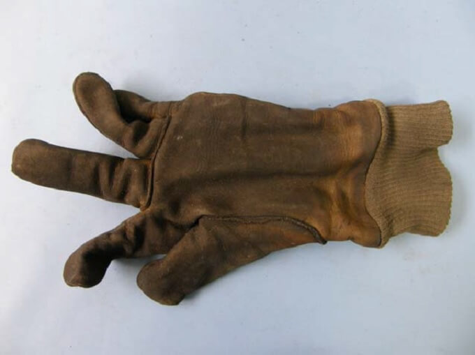 Usztywnienie materiału wskórzanej rękawicy